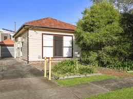 Wollongong Beach House - 37 beach street wollongong nsw 2500 property details
