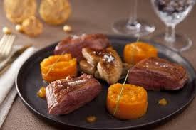 cuisiner un canard gras recette de magret de canard et foie gras poêlé variation de courge
