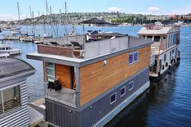 Houseboat Chip And Joanna Gaines House Of The Week A Floating Home In Seattle Zillow Porchlight