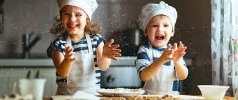 cuisine avec enfant quels sont les bienfaits de cuisiner avec enfant filapi
