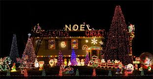 christmas decorations light show 30 absolutely beautiful christmas decorations from around the world