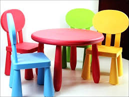 kidkraft nantucket 4 piece table bench and chairs set kidkraft table and chairs holiday gifts for round table