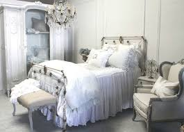Shabby Chic Bedroom Chandelier 102 Best Shabby Bedrooms Images On Pinterest Shabby Chic