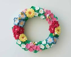 crochet flowers spring wreath series on mollie makes mollie makes