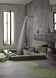 wohnideen grau boden grau grün in den boden eingelassene natursteinwanne wohnidee