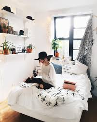 40 beautiful minimalist dorm room decor ideas on a budget 22