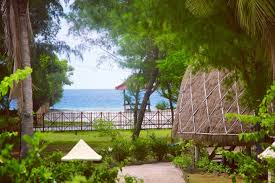 beachfront deluxe beach bungalow chalets for rent in gili