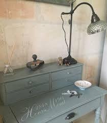 bureau repeint petit bureau repeint avec la vintage paint et pochoir monet de