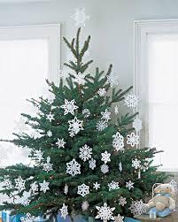 last minute tree decorating make it a snowflake decorated tree