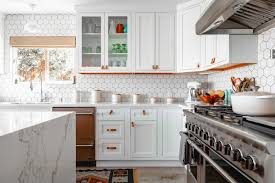 can i use vinegar to clean kitchen cabinets how to clean your house with vinegar and baking soda