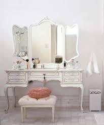 Dressers For Makeup Best 25 Vintage Makeup Vanities Ideas On Pinterest Vintage