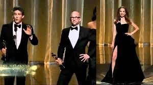 Angelina Leg Meme - angelina jolie right leg pose mocked at oscar 2012 youtube
