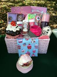 cupcake gift baskets diy gift baskets ideas cupcake gift basket idea diy