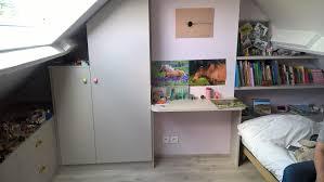 agencement d une chambre chambre d enfant mansardée à marc en baroeul placard bureau biblio