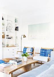 amber interiors cool as a cucumber neustadt built in bookshelves