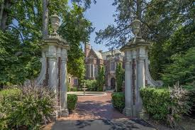cheap mansions for sale chicago s schweppe mansion