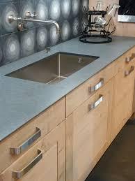 plan de travail cuisine 70 cm atelier culinaire cuisine chêne massif clair crédence carreaux de
