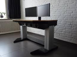 pc bureau sur mesure un magnifique ordinateur intégré dans un bureau sur mesure niko