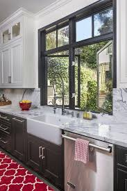 Country Style Kitchen Sinks by Best 25 Window Over Sink Ideas On Pinterest Country Kitchen