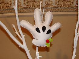 diy guante de mickey en fieltro mickey s felt glove christmas
