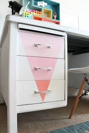 repeindre un bureau diy déco repeindre un vieux bureau en métal bureau metal