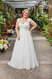 plus size wedding dress designers 9 top plus size wedding dress designers to weddingomania