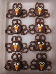 easy thanksgiving decorations easy oreo pretzel turkeys for thanksgiving pretzels