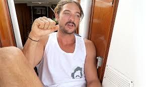 case pirate attack sea sailing la