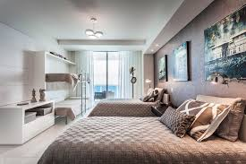 chambre luxe avec appartement de luxe avec vue sur l eau situé sur la côte en