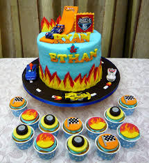 hot wheels cake jenn cupcakes muffins hot wheels theme cake cupcakes