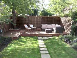 Small Outdoor Patio Ideas Best 25 Small Backyard Landscaping Ideas On Pinterest Trellis