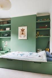Green Is Great For A Kids Bedroom With Such A Simple Bedroom This - Interior design kid bedroom