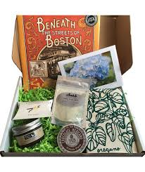 gift of the month ideas 30 surprising subscription box ideas