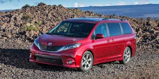 toyota s 2017 toyota sienna vehicles on display chicago auto show