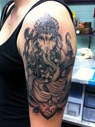 ganesha tattoo schwarz weiss interesting das maori tattoo oder