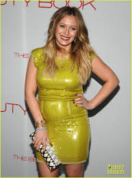 hilary duff engagement ring hilary duff u0027the beauty book u0027 launch party with mike comrie