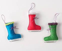 make a felt mitten and skate ornament