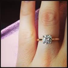 an welchem finger kommt der verlobungsring die besten 25 verlobungsring solitaire ideen auf