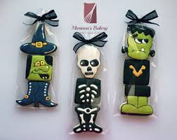 halloween treats favor cookies 12 sets de marianasbakery en etsy