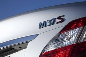 lexus gs vs infiniti m 2011 infiniti m56 with 420hp v8 and m37 with 330 v6 rival bmw 5
