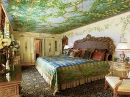 versace mansion where designer was murdered now a celeb favorite