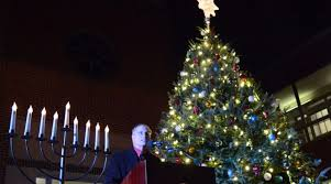 tree of menorah leesburg kicks holidays with tree menorah lighting loudoun now