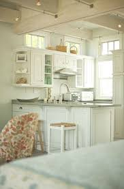 Living Room Designs For Small Houses by Best 25 Small Cottage Kitchen Ideas On Pinterest Cozy Kitchen