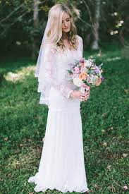 wedding dress etsy etsy wedding dress guide 8 amazing etsy boutiques for brides
