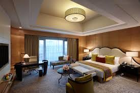 One Room Luxury Accommodation In Chennai At Itc Grand Chola Luxury Stay