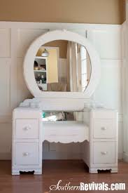 Bedroom Vanity Table Best 25 Refinished Vanity Ideas On Pinterest Painted Vanity