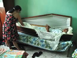 Conhecido G1 - Aposentado dorme no caixão para homenagear amigo morto há 23  @YT68
