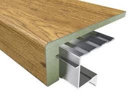 treppe mit vinyl bekleben treppenrenovierung mit vinyl treppenstufen vinyl treppenbelag