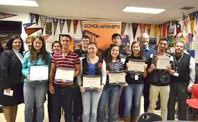 utep presents eight outstanding hanks students scholarships