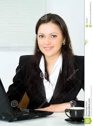 le bureau fille fille travaillant dans le bureau image stock image du laptop